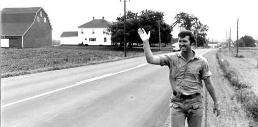 Cohen campaiging by walking across Maine in 1976
