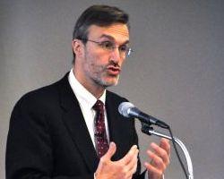 Professor Coglianese delivering keynote address
